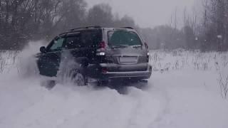 С Рождеством. Тойота Ленд Крузер Прадо 120. В снег...