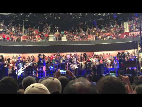 """Pearl Jam - """"Elderly Woman Behind The Counter In A Small Town"""" - Greenville, SC"""