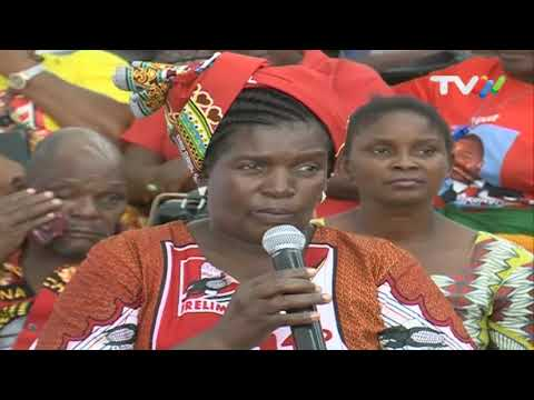 Visita à Província de Maputo: PR reúne com mulheres de várias associações