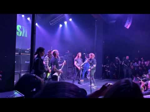 Debbie Sexxton - Dave Grohl, Corey Taylor And Scott Ian Cover Pantera's Walk