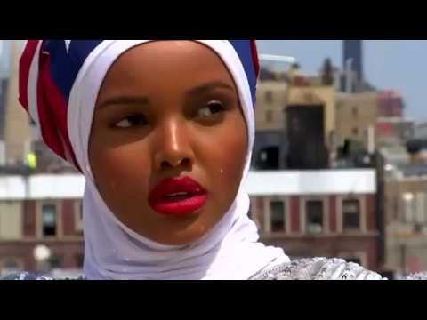 Former refugee is world's 1st hijab-wearing supermodel
