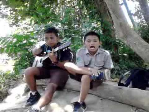 Nyanyian Lucu Dari Tolitoli - SMPN 2 Tolitoli.3gp