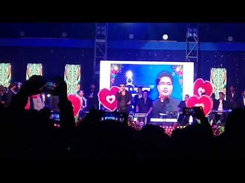 Himesh Reshammiya live performance ....jumme Ki Raat Hai......
