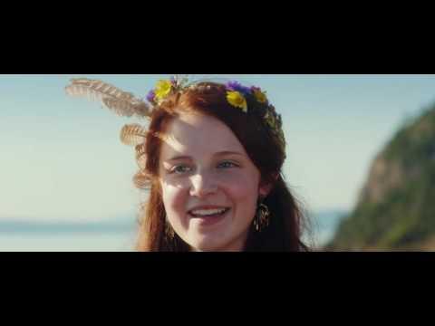 Samantha Isler sings pretty good - Captain Fantastic 2016