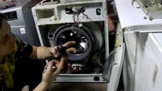 видео Замена наливного патрубка