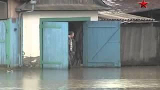 В зоне подтопления Бийска в Алтайском крае вода преодолела отметку в 6 метров
