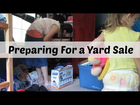 Preparing for a yard sale - (7/22/16- 7/24/16  Vlog)