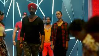 Singh is bling Akshay Kumar fighting with villen movie Max player