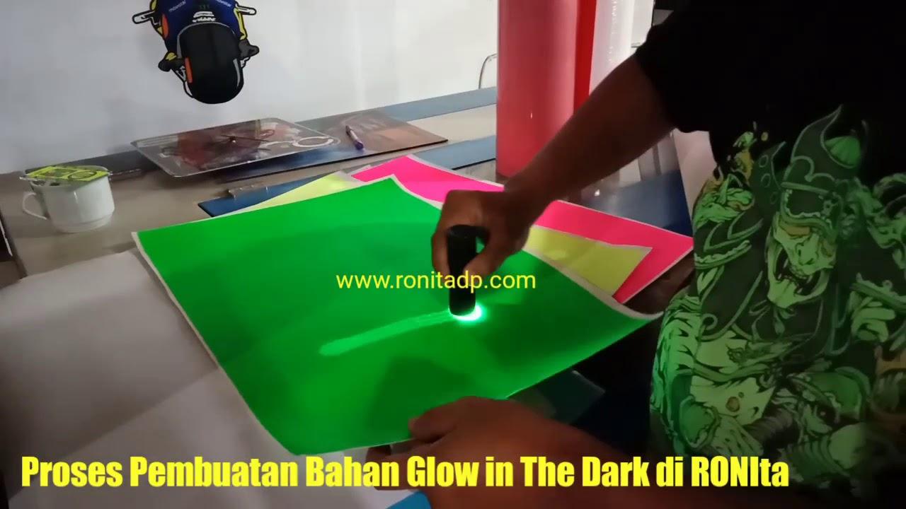 Pembuatan Bahan Glow in The Dark RONIta