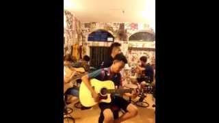 Vẽ  Trúc Nhân  Phiên bản guitar