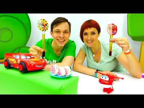 Маквин и тачки в Кафе на дереве - видео с игрушками