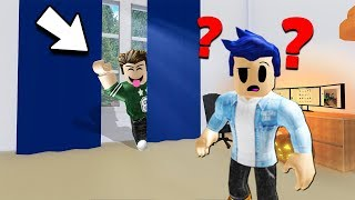 I HID BEHIND THE CURTAIN AND HE DIDN'T SEE ME. Roblox Hidevaca