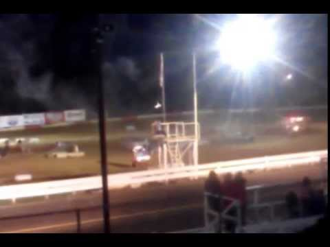 Coos Bay Speedway - Jump into stacked cars