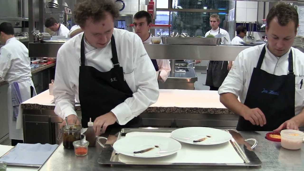 Busy At 3 Michelin Star Aqua During Service Youtube