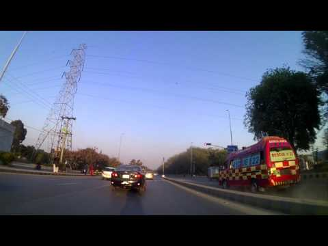 Clearing way for Ambulance on Canal Road Lahore on FZ250