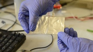 Aluminum battery offers safe alternative to conventional batteries thumbnail