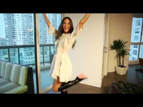 Jessica Barboza con Louis Vuitton thumbnail