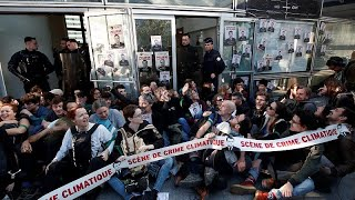 Climate protesters are blocking Ministry of Ecology and headquarters of multinationals at La…