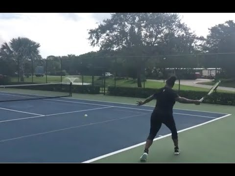 Pregnancy Doesn't Stop Serena Williams From Playing Tennis!