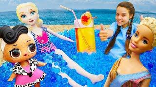 Куклы на пляже - некогда отдыхать! Маскируем аллергию кукле ЛОЛ, делаем прическу Эльзе, массаж Барби