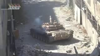 СИРИЯ  Танковые бои по улицам мирных городов Сирии  Документальное видео