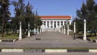 Грузия Батуми дневной.(http://rpostoronniy.livejournal.com/ Вне сезона в Батуми нет толп туристов, сильного шума-гама. В конце апреля не жарко и..., 2014-09-24T07:41:31.000Z)