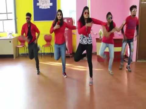 AMMADU LETS DO KUMMUDU DANCE