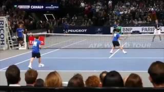 Маррей сыграл в теннис с мальчиками, подающими мячи