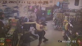 video shows theft by group of teens at Woodland Hills liquor store turn violent I ABC7