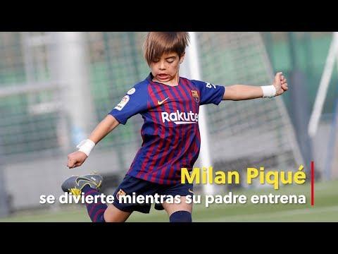 Milan Piqué se divierte mientras su padre entrena