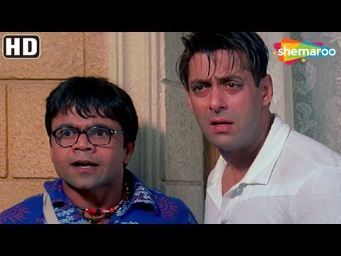 Salman & Akshay kumar's funny argument for Priyanka - Mujhse Shaadi Karogi - Comedy Hindi Movie