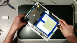Swapping the chassis of a LPQ-497W LearnPad. Making one good tablet out of two broken ones.