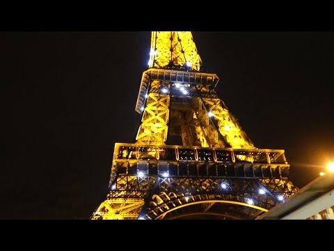 Funny Sisters Lika & Alice travel to Paris  Лика и Алиса в Париже