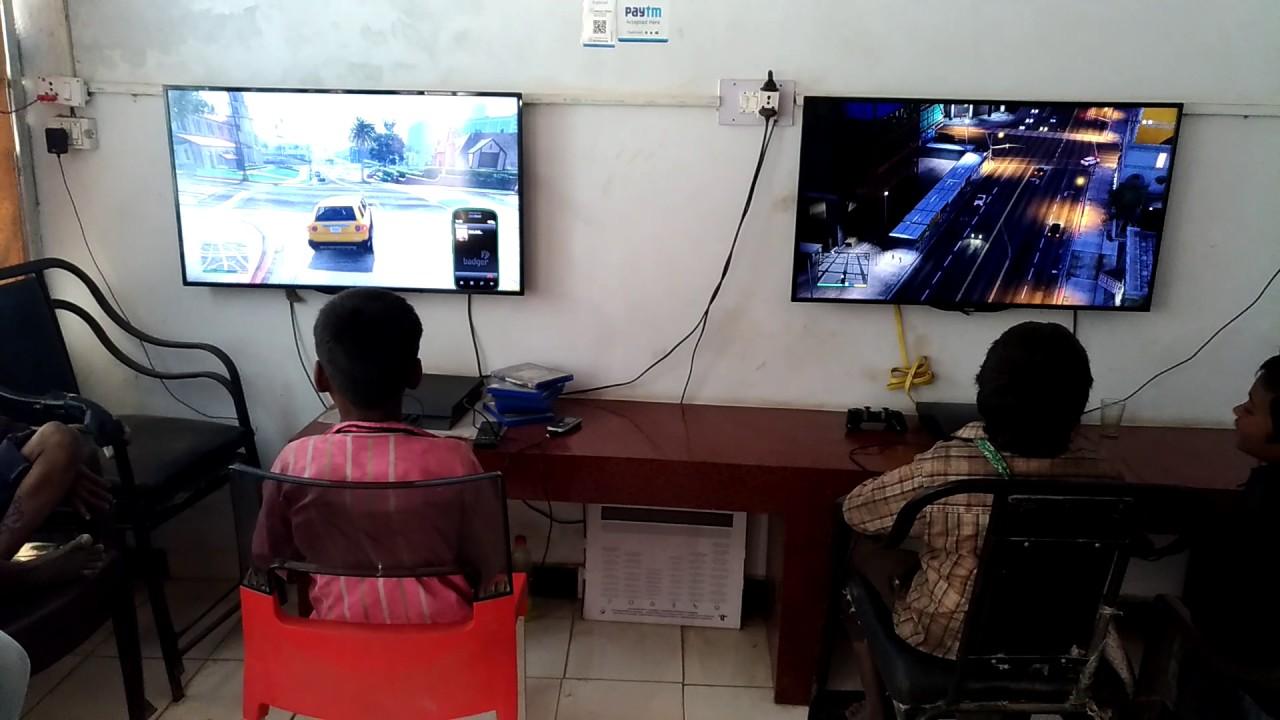 Beggars Enjoying Ps3 And Ps4 At Gaming Zone Punjab Do