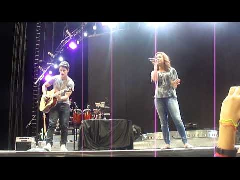Demi Lovato performing Catch me with Nick Jonas in Montreal 09042010