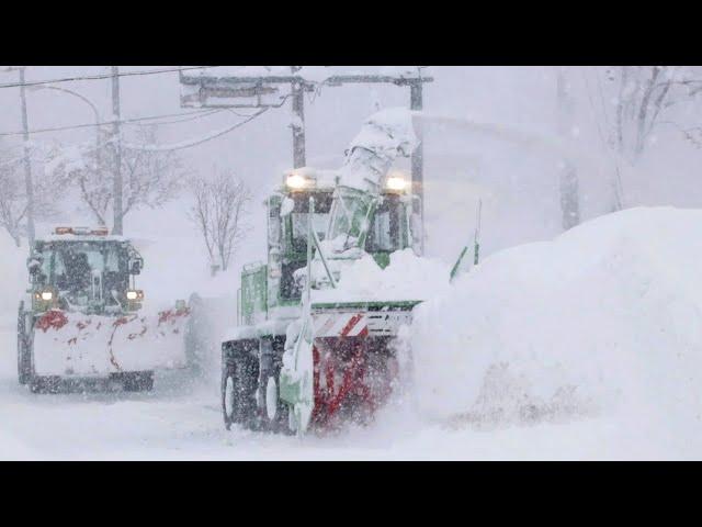 三笠に大雪、屋根きしむ 連日の除雪作業