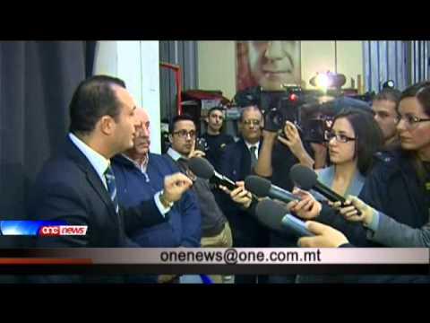 Simon Busuttil jibża jipparteċipa f'dibattitu ma Franco Debono.