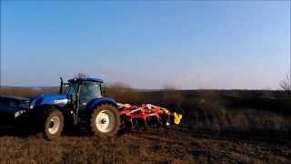 New Holland T7.260 with Pottinger Synkro 4030 K.