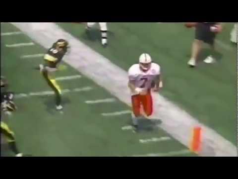 Eric Crouch Destroys Iowa Defender On Run