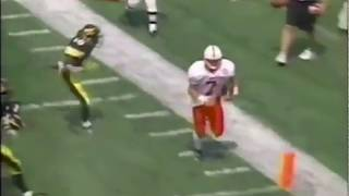 Eric Crouch Destroys Iowa Defender On Run
