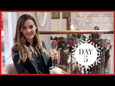 STARTING MY CHRISTMAS SHOPPING | Vlogmas #5