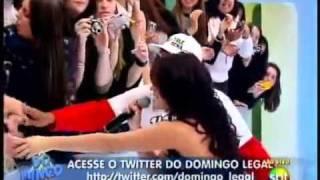 Dulce Maria-No Se Parece(Ao Vivo Domingo Legal)