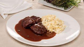 Carrilleras de cerdo con chucrut - Cocina con Bruno Oteiza