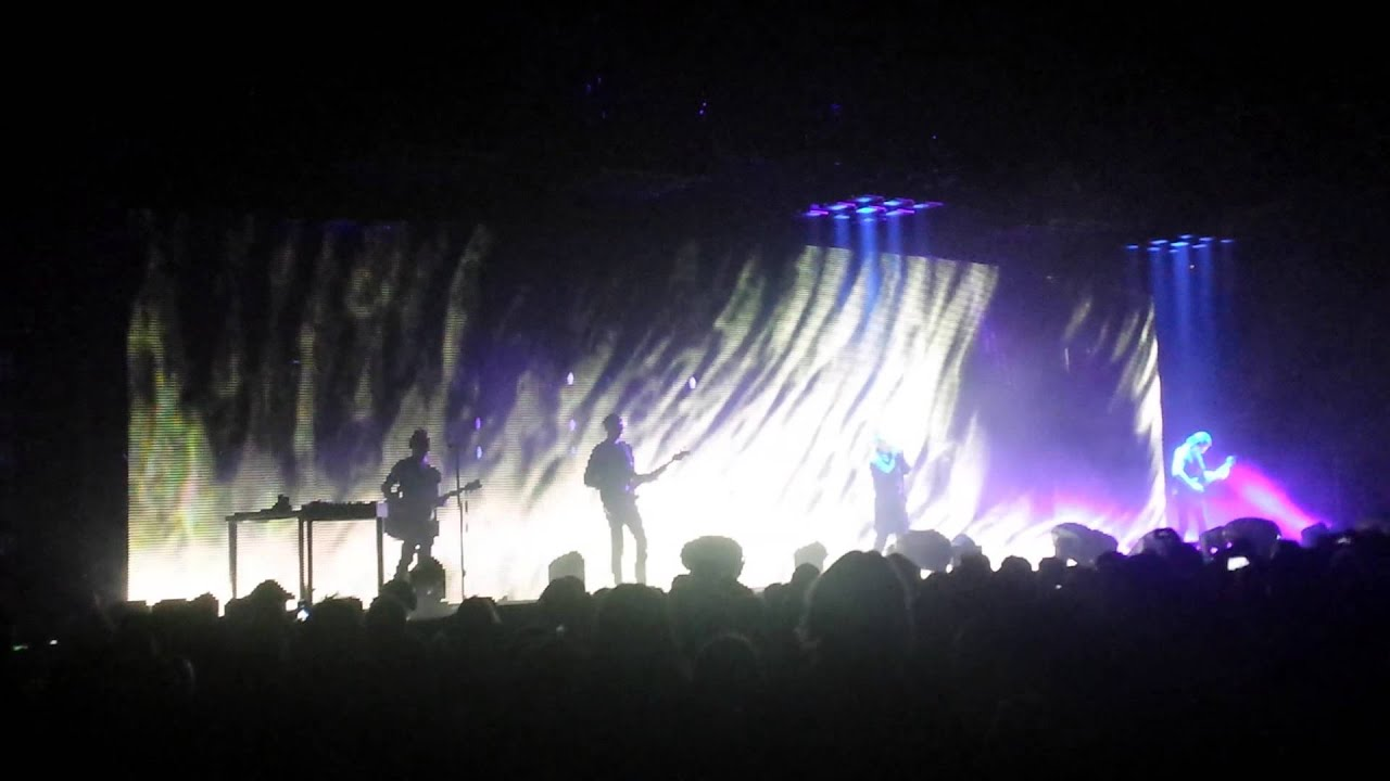 Nine Inch Nails Tension Tour 2013-Hurt (live) - YouTube