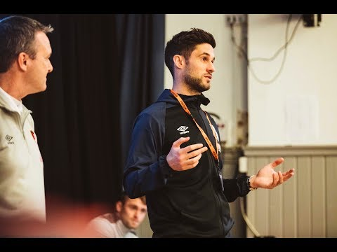 INTERNET SAFETY DAY 📨 | Andrew Surman helps out