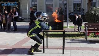 Επίδειξη της Πυροσβεστικής στην πλατεία της Καλαμάτας