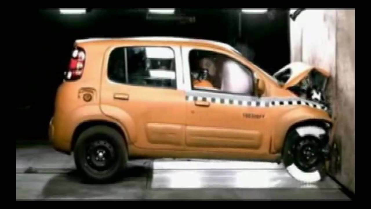 2011 fiat uno crash test youtube. Black Bedroom Furniture Sets. Home Design Ideas