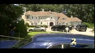 Federal Agents Raid Home Of Young Thug