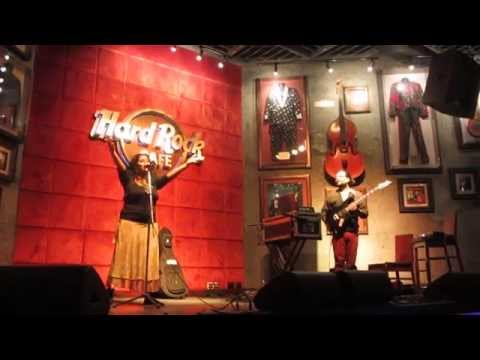 "Sukanti & Anushree ~""Jugni Ji"" Live at Hard Rock Cafe Pune 2015"