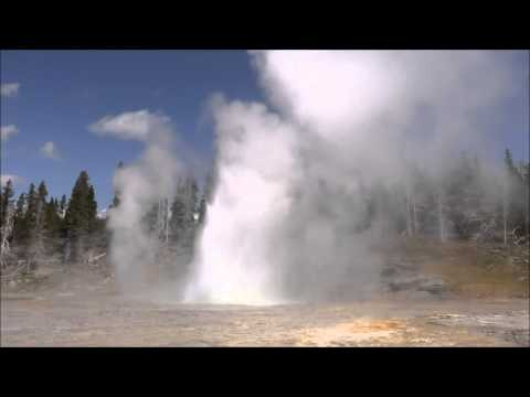 Grand Geyser Eruption in Yellowstone National Park (1 hour relaxation)